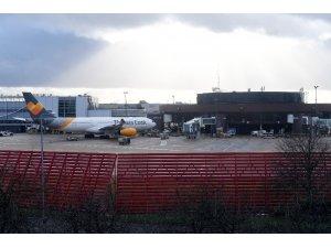 Gatwick Havaalanı hava trafiğine açıldı