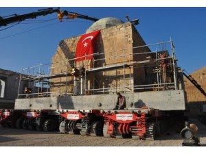 Hasankeyf'te 630 yıllık cami yeni yerine taşındı