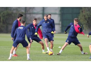 Fenerbahçe'de Antalyaspor maçı hazırlıkları başladı
