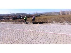 Şuhut Belediye ekiplerinden çevre düzenleme ve temizleme çalışmaları