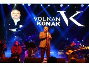 Eksi 5 derecede Volkan Konak konseri
