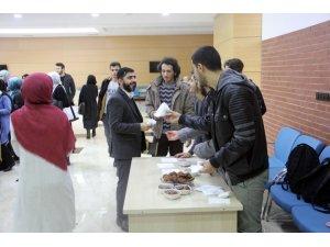 İlahiyat Fakültesi'nde 'Dünya Arapça günü' etkinliği düzenlendi