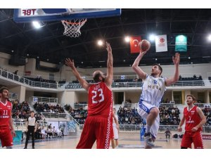 Denizli Basket Söğütsen Seramik'i 102-63 mağlup etti