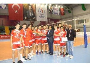 Voleybolda şampiyon Erdemli Akdeniz Anadolu Lisesi