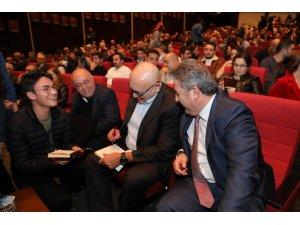 Cengiz Aytmatov Kayseri'de oğlunun da katıldığı törenle anıldı