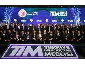 İstanbul Aydın Üniversitesi, 'Eğitim Alanında En Fazla Hizmet İhracatı Yapan 2. Vakıf Üniversitesi' oldu