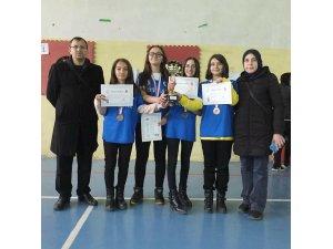 Bilecik Okullar Arası İl Dart Yıldız Kızlar Yarışmasında üçüncü oldular