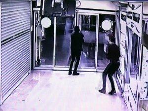 Hırsıza 'kapı' engeli
