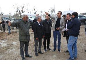 Şırnak'ta Kent Meydanı için ilk kepçe vuruldu
