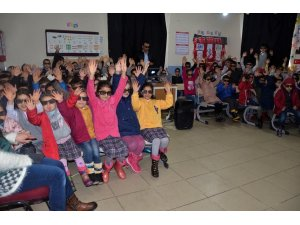 Beytüşşebap Kaymakamlığından öğrencilere sinema gösterisi