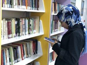 'Okul Koridorunda Kütüphane' projesi öğrencilerin ilgi odağı oldu