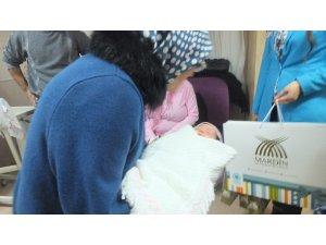 """Mardin'de yılın ilk bebeği """"Nilay"""" bebek oldu"""
