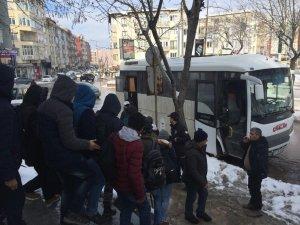Keşan'da 12 kaçak göçmen yakalandı