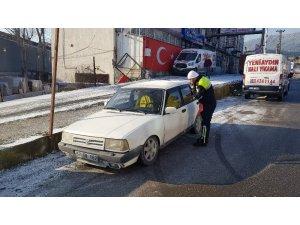 Diğer sürücüleri tehlikeye atarak drift yapan sürücüye 5 bin 10 TL ceza kesildi