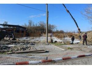 Çardak Belediyesi Ticaret Merkezi inşaat çalışmaları başladı