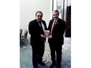 Keleş kitabını MÜSİAD Genel Başkanına sundu