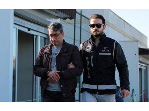 FETÖ'den gözaltına alınan istihbaratçı binbaşı adliyeye sevk edildi