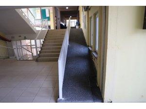 Turgutlu Belediyesi eğitimin önündeki engelleri kaldırıyor