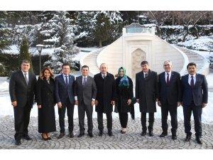 Tütüncü, Kepez'deki mülkiyet sorunları için Ankara'ya gitti