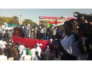 İstifası istenen Sudan Cumhurbaşkanı, 2020'de seçimi kaybederse çekileceğini açıkladı
