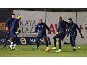 Fenerbahçe günü çift idmanla tamamladı