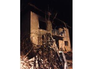 Simav'da ev yangını: 1 yaralı