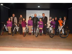 İzmit'te 45 öğrenci daha bisikletine kavuştu