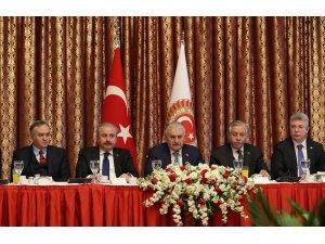 TBMM Başkanı Binali Yıldırım, gazetecilerle bir araya geldi