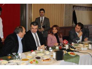 Vali Okay Memiş gazetecilerle kahvaltıda buluştu