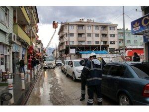 Lodos elektrik tellerini koparttı mahalle elektriksiz kaldı