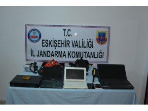 Eskişehir'de evden hırsızlık şüphelisi 4 şahıs yakalandı