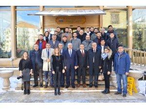 Vali Akın, 2 günde 2 cemiyetin gazeteciler günü programında basın çalışanları ile bir araya geldi