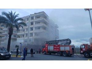 Alanya'da iş yeri yangını korkuttu