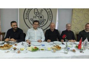 Burhaniye'de gazeteciler bir araya geldi
