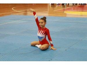 Cimnastik yarışmaları gerçekleştirildi