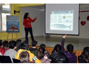 Aydın'da öğrencilere balık tüketmenin faydaları anlatıldı