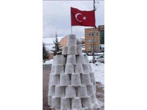 60 kova kar ile kardan kale yaptı