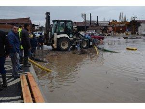 Balıkesir'de kerestecileri su bastı