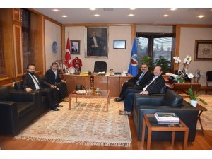 Rektör Prof. Dr. Çomaklı'ya Eskişehir basınından ziyaret