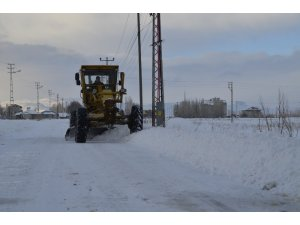Ağrı'da karla mücadele çalışması