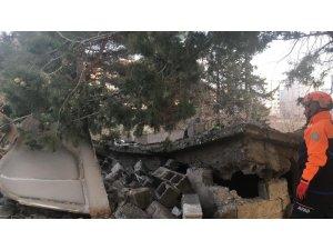 Kahramanmaraş'ta metruk bina çöktü