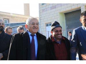 Başkan Büyükkılıç'ı Yemliha halkı bağrına bastı