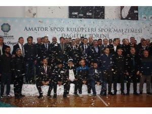 Büyükşehir Belediyesi 43 bin spor malzemesi dağıttı