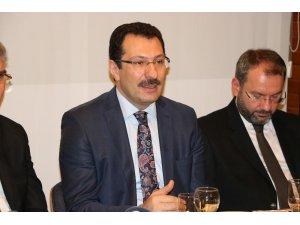 AK Parti Seçim İşlerinden Sorumlu Genel Başkan Yardımcısı Yavuz Tank Palet fabrikası için konuştu
