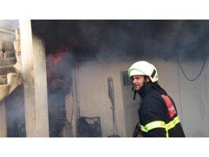 Ceylanpınar'da ev yangını korkuttu