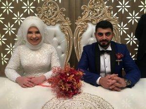 Sancaktepe esnafından yeni evlenen çiftlere düğün yemeği