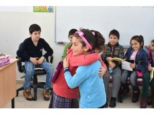 Günebakan İlkokulu'na kardeş okul ziyareti