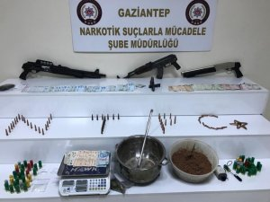 Polis uyuşturucu tacirlerine göz açtırmıyor