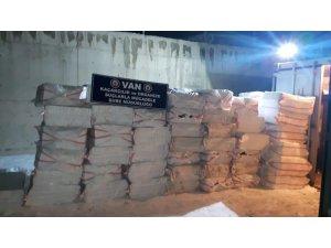 Kuru fasulye yüklü tırda 175 bin paket kaçak sigara ele geçirildi