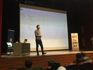 Medya Okulu'nun konuğu M. Akif Ersoy